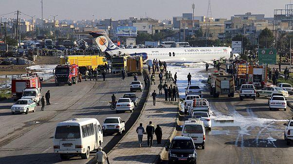 Iran, atterraggio d'emergenza: tutti illesi