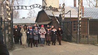 Los supervivientes claman contra la indiferencia en el 75 aniversario de la liberación de Auschwitz