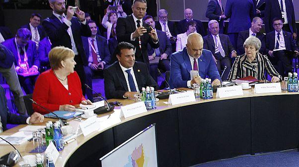 Πίεση της Μέρκελ για ένταξη Βόρειας Μακεδονίας και Αλβανίας