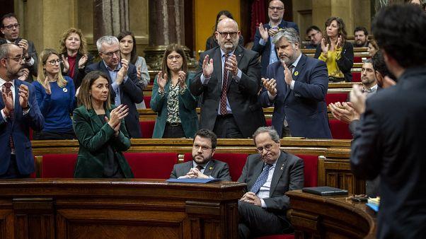 Главу правительства Каталонии лишили депутатского мандата
