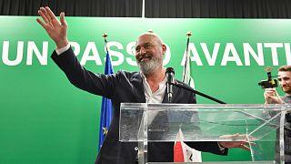 Meggyőző fölénnyel marad a tartomány kormányzója Stefano Bonaccini, a Demokrata Párt politikusa