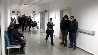 Aksaray'da 12 kişi koronavirüsüne karşı tedbir amaçlı hastaneye kaldırıldı