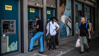 Yunanistan finansal krizden 10 yıl sonra ilk kez uzun vadeli kredi alacak