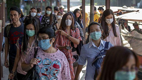 Güney Kore'de Çin'den gelen kişilerin ülkeye alınmaması için imza kampanyası başlatıldı