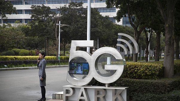Johnson permite a Huawei desarrollar la red 5G en el Reino Unido