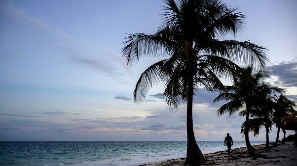 Airbnb Bahamalar'da Dorian Kasırgası'nın yaralarını saracak 5 gönüllü arıyor