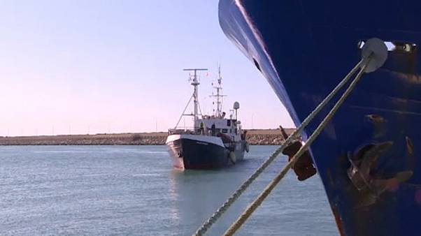 Kiköthet az Ocean Viking Olaszországban