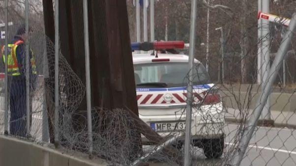 اللكمات والأعيرة النارية في استقبال مهاجرين حاولوا الدخول إلى المجر