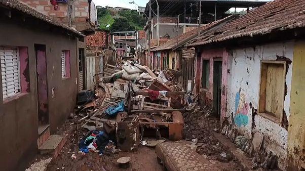 Földcsuszamlások temetnek be egész településeket Brazíliában