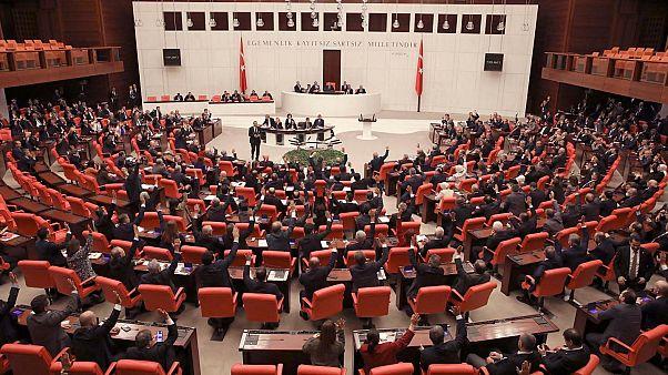 TBMM'de AK Parti ve CHP arasında 'deprem vergisi' polemiği