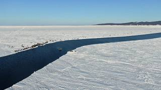 Hundreds of fisherman were stranded after the ice broke away