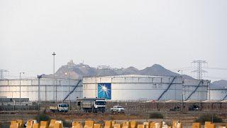 صهاريج التخزين في منشأة أرامكو النفطية، في جدة، المملكة العربية السعودية.