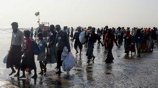 مقتل 15 من اللاجئين الروهينغا في غرق مركبهم في بنغلادش