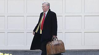 کاخ سفید به وکیل بولتون هشدار داد: کتاب موکلتان منتشر نشود