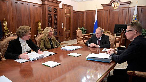 Réunion consacrée à l'épidémie du coronavirus 2019-nCoV, à Moscou en présence du président russe Vladimir Poutine, le 29 janvier 2020