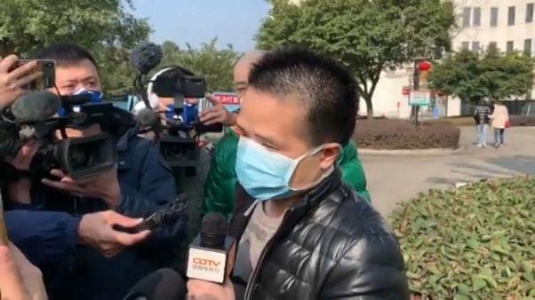 Koronavírus: Gyógyult betegek térhettek haza Kínában