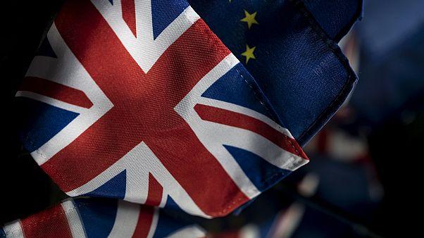 Birleşik Krallık ve Avrupa Birliği bayrakları