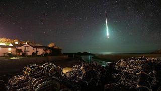 Fotoğrafçı Chris Small atmosfere giren bir gök taşını görüntüledi