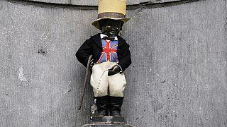 Manneken Pis: Brussels landmark dressed in Union Jack waistcoat ahead of Brexit