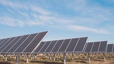'Reverse' solar panel technology still works when the sun goes down