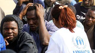 La tregua regge solo di nome. UNHCR sospende le attività nel centro rifugiati di Tripoli