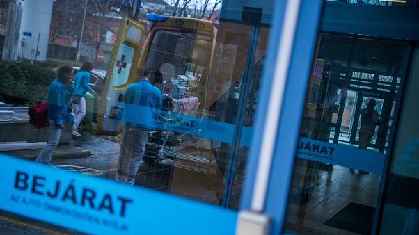 Látogatási tilamat rendeltek el az influenzajárvány miatt a magyar kórházak jó részében