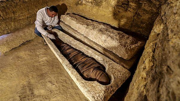 Mısır'da rahiplere ait 3 bin yıllık mezarlıklar bulundu