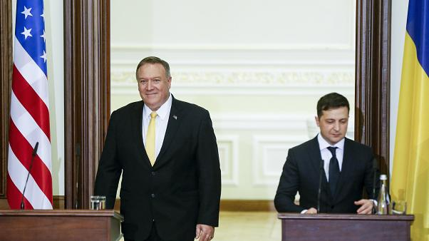 پمپئو: استیضاح ترامپ ربطی به روابط گرم ما و اوکراین ندارد