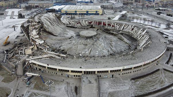 Один человек погиб при обрушении стадиона в Петербурге
