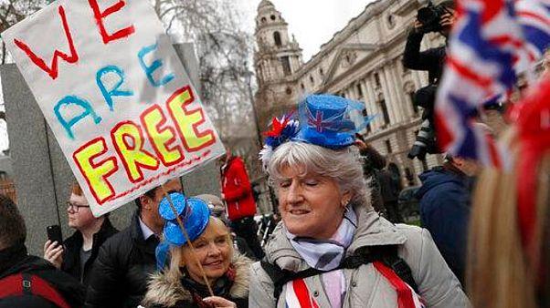 """مسؤولو الاتحاد الاوروبي: قارة """"على أعتاب عصر جديد"""" قبيل بريكست"""