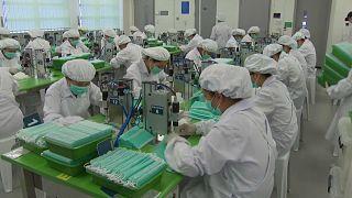 الصين تُسخر المسجونين في هونغ كونغ لتصنيع أقنعة الوقاية من كورونا