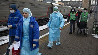 Россиян забирают из Ухани