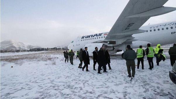 هواپیمای ایرانایر پس از خروج از باند فرودگاه کرمانشاه