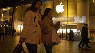 Apple, koronavirüs nedeniyle Çin dışındaki mağazalarını kapattı