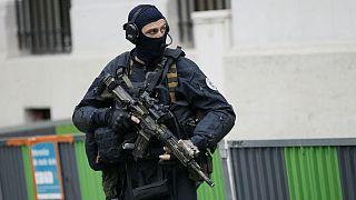 عضو اپوزیسیون سوریه به اتهام ارتکاب جنایت جنگی در فرانسه بازداشت شد
