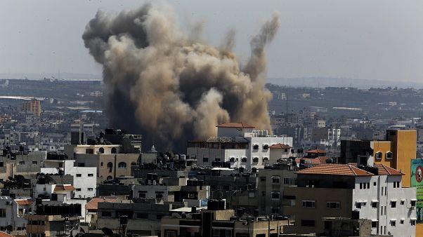 غارات إسرائيلية على مواقع تابعة لحركة حماس في قطاع غزة