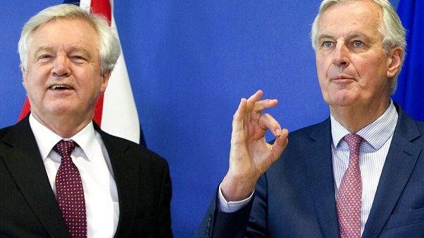 """ЕС готов к переговорам по торговому соглашению с Британией после """"брексита"""""""