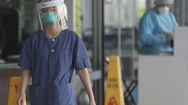 """Coronavirus: oltre 14.000 contagi. Completato l'ospedale """"dei record"""" a Wuhan"""