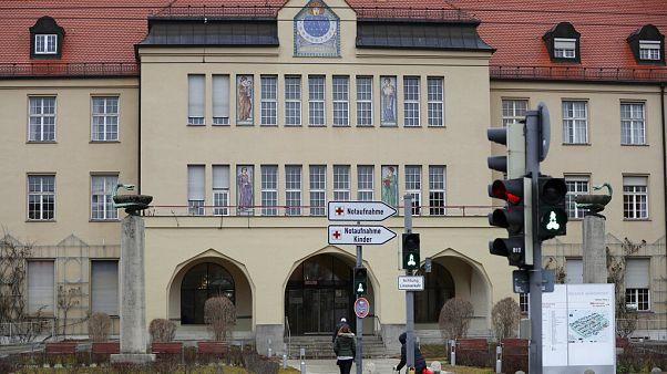 Coronavirus: Münchner Webasto-Mitarbeiter infiziert - auch Familie?