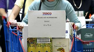 Brexit: Οι Βρετανοί «στοκάρουν» κρασιά από τη Γαλλία όσο προλαβαίνουν