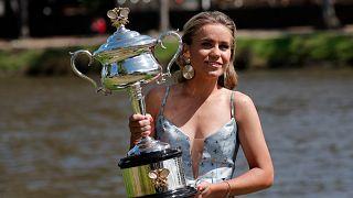 Sofia Kenin Avustralya Açık Tenis Turnuvası'nda şampiyonluğa ulaştı