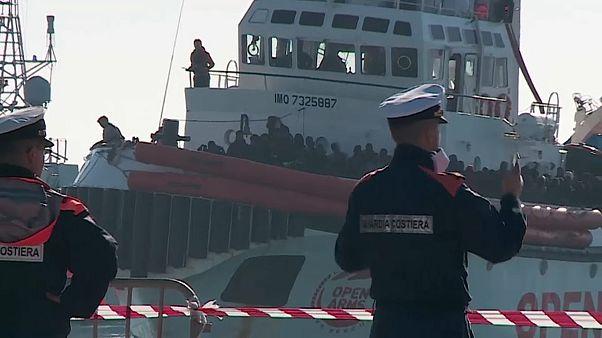 El Open Arms desembarca en Sicilia con 363 migrantes a bordo