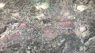 Sivrice merkezli meydana gelen 6,8 büyüklüğündeki depremin Elazığ'a verdiği hasarı ortaya çıkarmak için oluşturulan ekipler, verileri Bakanlıkça hazırlanan haritaya işleniyor.
