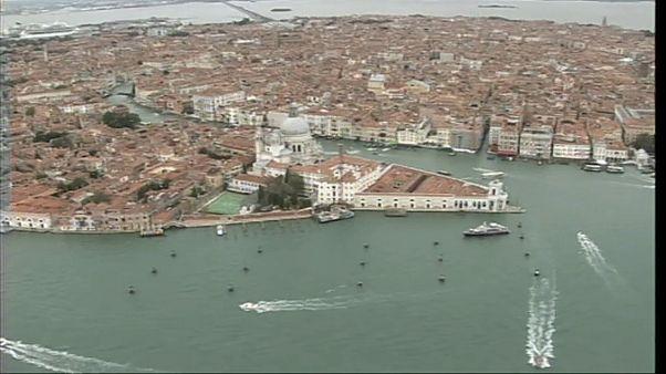 Második világháborús bomba miatt ürítették ki Velence belvárosát
