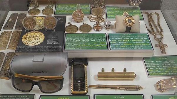 """شاهد: """"متحف سري"""" يضم أبرز مقتنيات أباطرة المخدرات في المكسيك"""