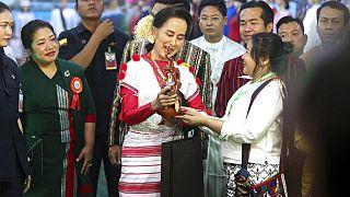 Aun Szan Szu Kji nyitotta meg a Népek Kulturális Fesztiválját