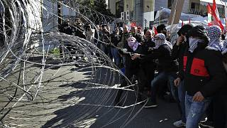 فيديو: مظاهرة مناهضة لصفقة القرن قرب السفارة الأمريكية في لبنان