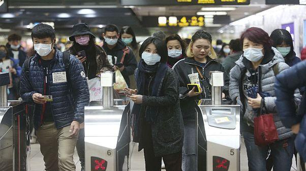 گسترش جهانی کرونا؛ مرگ دستکم ۳۶۱ نفر و سقوط بازارهای مالی چین