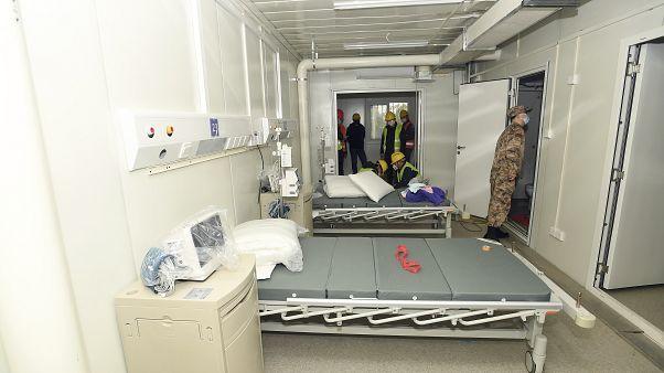 غرفة علاج في مستشفى هوشنشان المؤقت والذي يتسع لألف سرير.