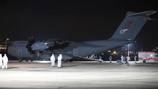 السبت الفائت، أجلت وزارة الصحة التركية أجلت 42 مواطناً تركيا من الصين على متن طائرة عسكرية